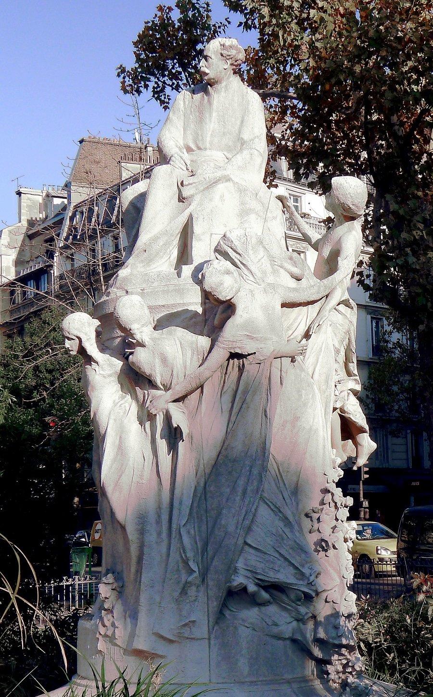 monument à Dumas Fils