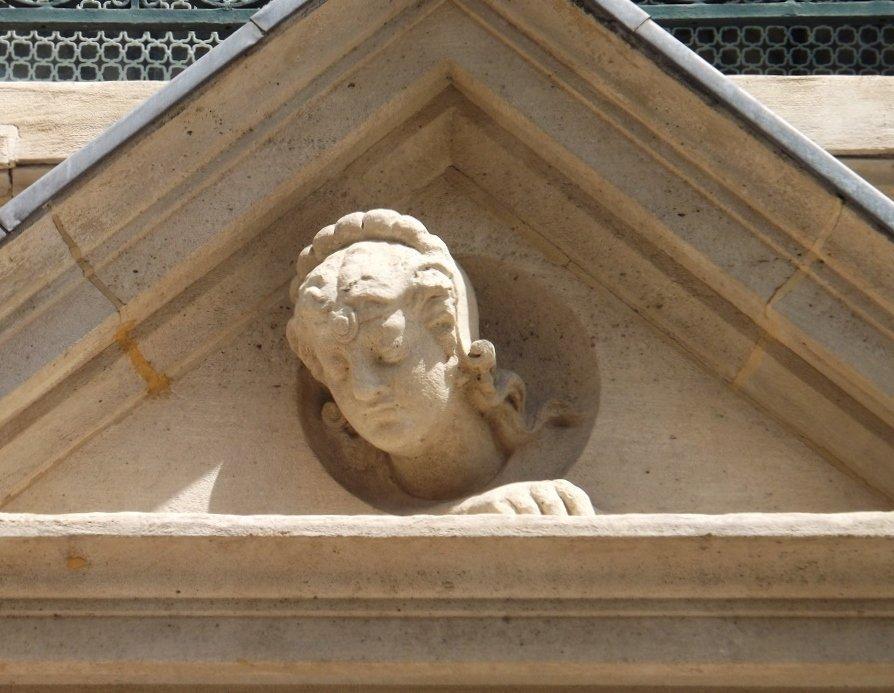 buste de femme r de tocqueville